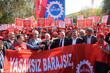 DİSK; 12 Eylül darbe hukuku AKP ile sürüyor